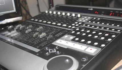 Tipi di Superfici di Controllo (controller daw midi) e mixer digitali